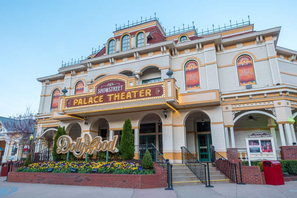 Dollywood Palace Theater
