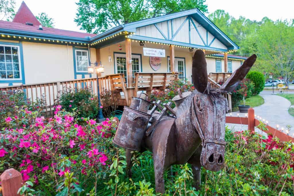 Helen GA Horse Sculpture